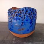 Pot pour plate ou aromate terre rouge émaillée bleu cobalt H 10 cm diam 10 cm : 15 €