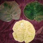 Feuilles émaillées vert foncé et vert anis - Ø 13/14 cm - 8 € l'unité