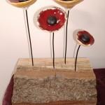 4 coquelicots sur base bois - L 15,5 cm - H 23 cm - 45 €